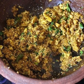 egg bhurji in a clay kadai