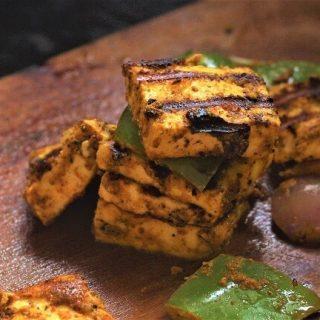 side view of tandoori paneer tikka recipe