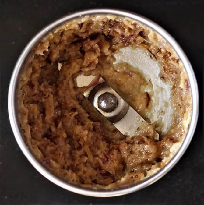 onion paste in a mixie jar