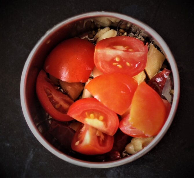 spices, tomato, ginger garlic in a mixie for kadai paneer