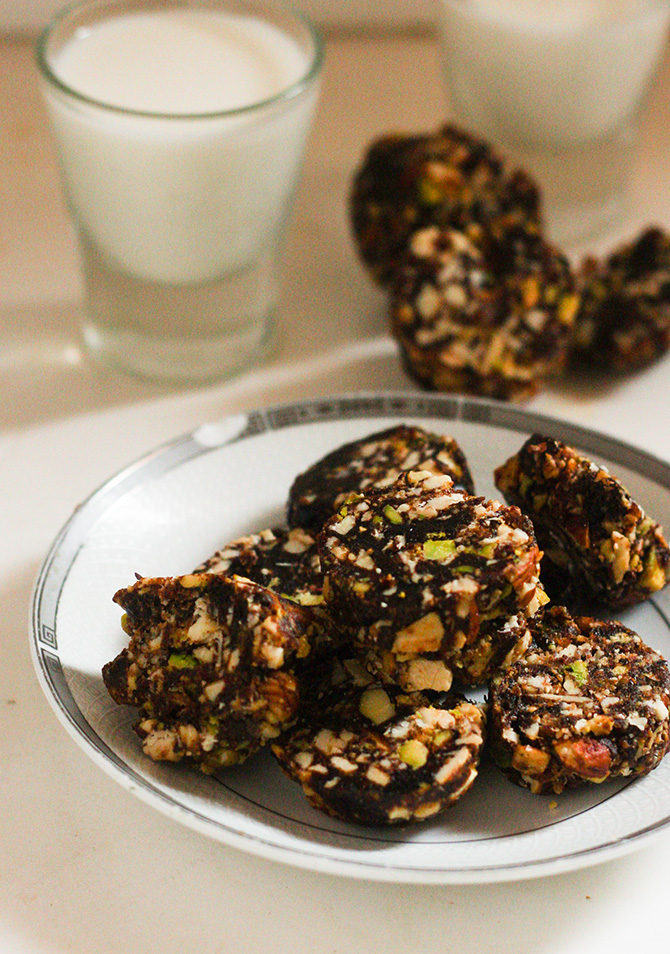 Indian food recipes indian recipes desi food desi recipes dry fruit chikki recipe is one of the most famous sweet dishes in india it forumfinder Image collections