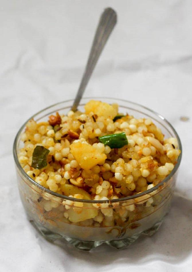 Sabudana Khichdi recipe, Sago Khichadi, Javvarisi Upma ...