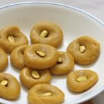 Kesar Peda Recipe, How to make Kesar Peda