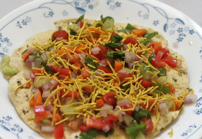 Masala Paapad recipe or masala papad recipe. A simple, tasty and elegant recipe that would get ready in a jiffy.